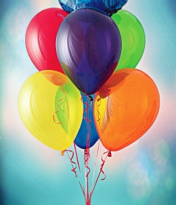"Revised Version of ""Congrats bqt"" by Photographer: Warren Denning. Creative Director: Stan Weir. Marketing Director: Tim Vlamis - Pioneer Balloon Company. Licensed under Public domain via Wikimedia Commons - http://bit.ly/1xq3jTw"